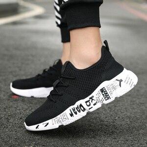 Image 5 - QGK 2019 حذاء رجالي عارضة عالية الجودة أزياء نمط حذاء رجالي مريحة شبكة في الهواء الطلق المشي الركض رياضية تنيس Masculino