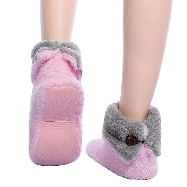 Fralosha Women Plush Home Shoes Slippers Coral Fleece Indoor Floor Sock Indoor Slipper Winter Foot Warmer  Soft bottom slippers