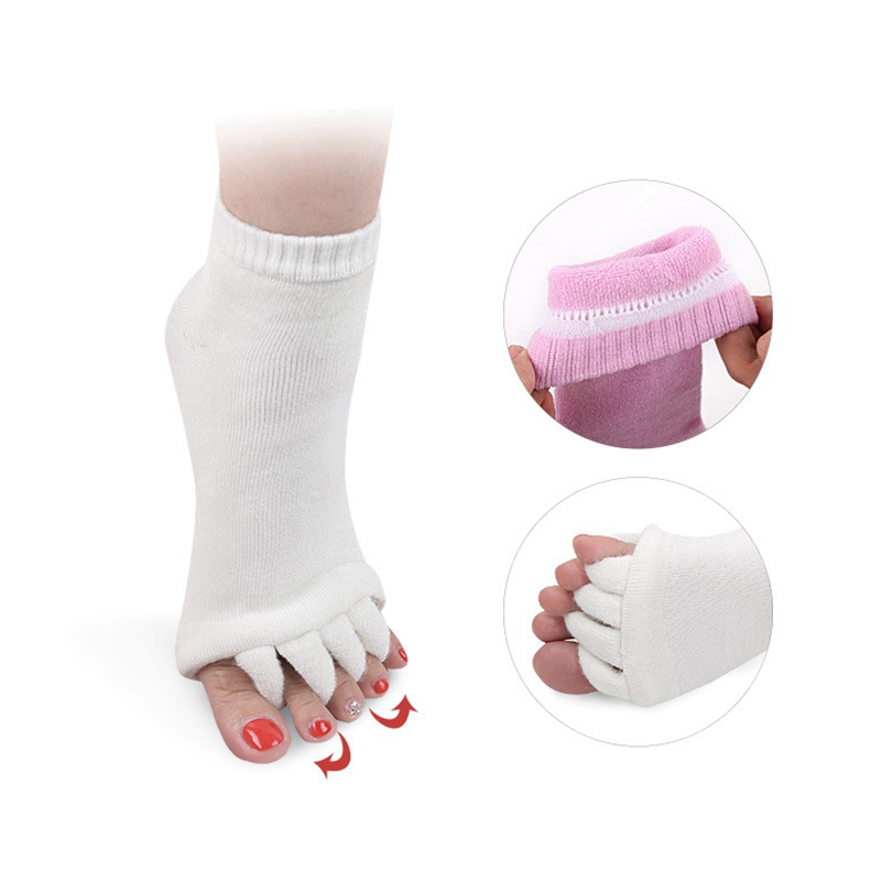 2Pcs/pair Socks Feet Care Open Toe Toe-Seperated Yoga Socks Healthy Fitness Massage Separator