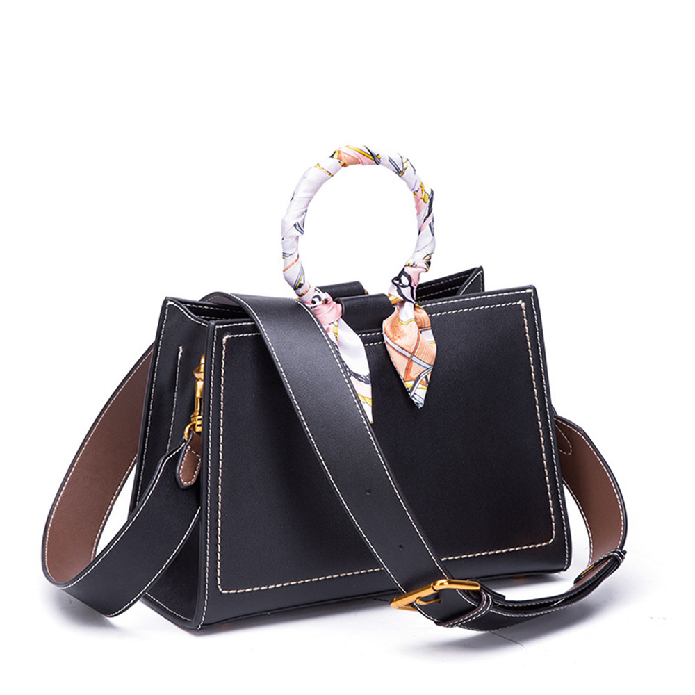 New Arrival Luxury Brand Design Women Shoulder Bag Split Leather Metal Circle Ring Handbag Leather Strap