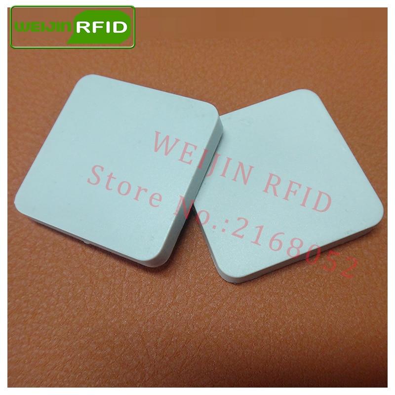 Uhf Rfid Metal Tag 915m 868m Alien Higgs3 Epcc1g2 6c Casting Fixture Tool 28*28*4mm Square Ceramics Smart Card Passive Rfid Tags Access Control