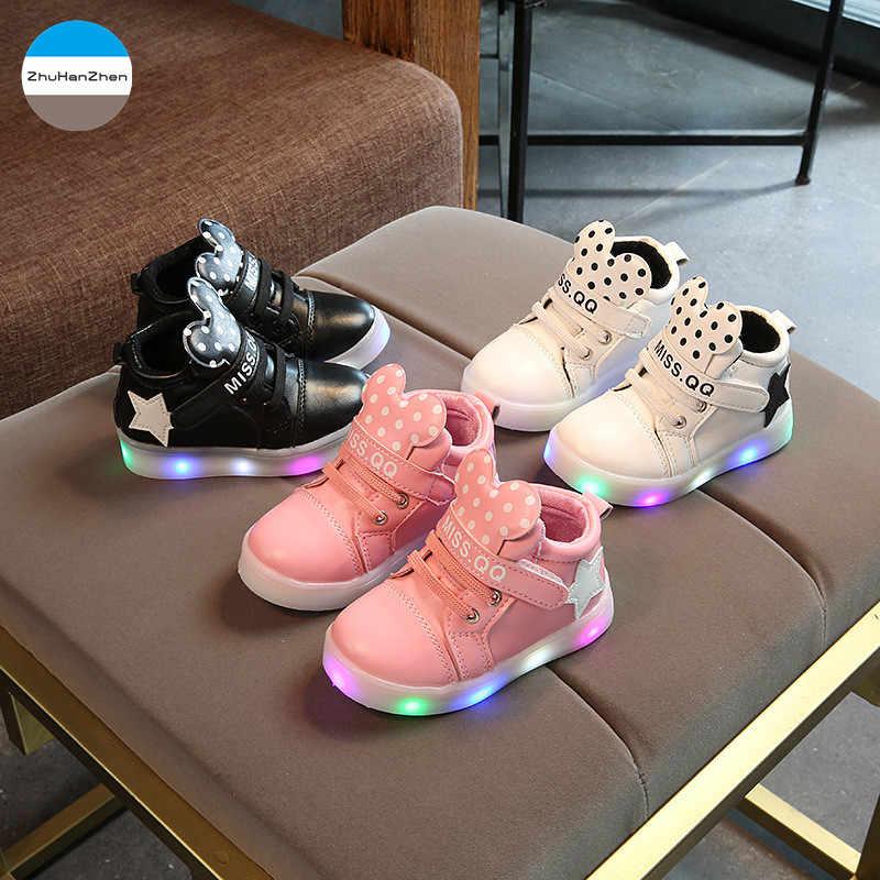 2019 1 ถึง 5 ปีไฟ LED เด็กอ่อนนุ่มด้านล่างกีฬารองเท้าสบายๆแฟชั่นน่ารักการ์ตูนตุ๊กตารองเท้ารองเท้าผ้าใบ