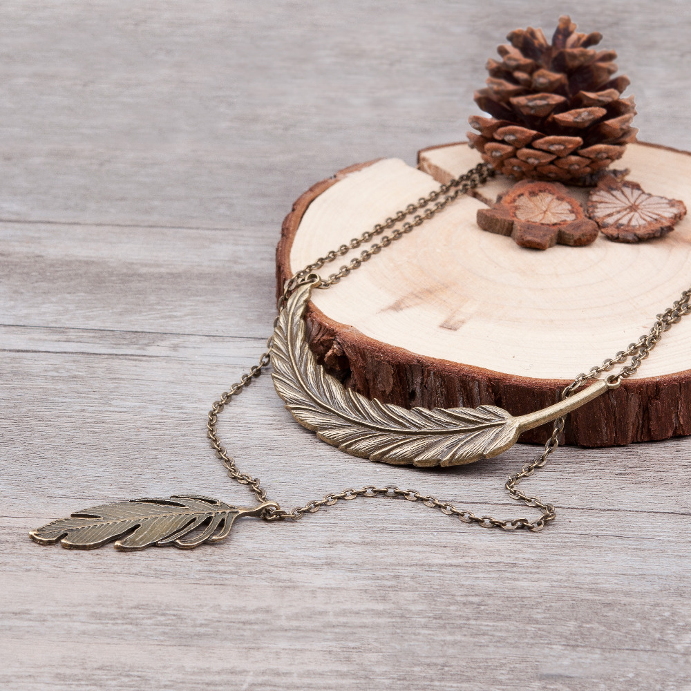 Doreen Box Double-layered Vintage Leaf & Feather Necklace lo