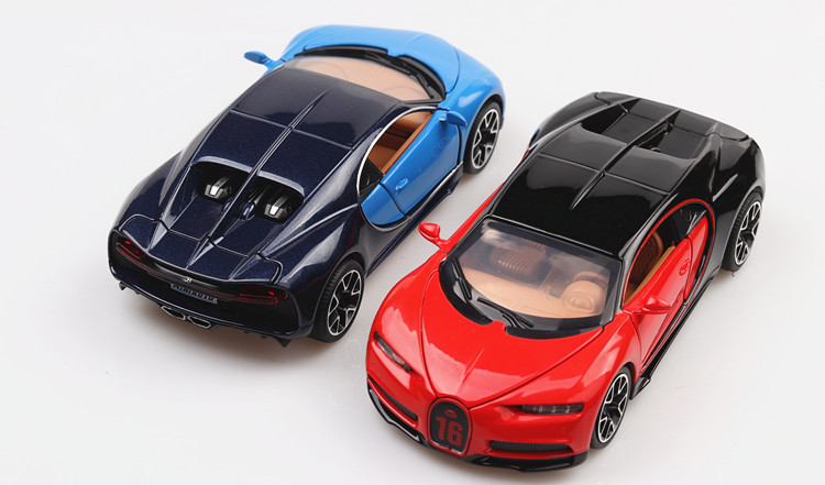 Bugatti Chiron Toy Car 15cm 35