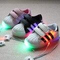 СВЕТОДИОДНЫЕ светящиеся Shoes 2017 новый мальчиков/Девочек повседневная обувь красочные огни Кенни волшебная кнопка мальчиков и Девочек shoes