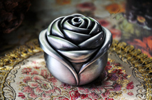 Novel rose-shaped Gothic European classic Princess metal jewelry box keepsake souvenir token box case 2122
