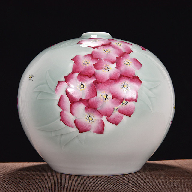 Handmade Jingdezhen Hand Engraved Vase Shadow Blue Glaze Ceramic