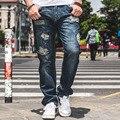 Tamanho grande Mens Afligido Jeans Hip Hop Calças de Brim de Carga Em Linha Reta homens Folgados Rasgado Calças De Brim Homme Grandes e Altos Roupas de Marca 46
