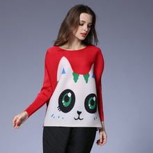 2017 spring new women's loose sleeve long sleeve big eye cat pleated shirt jacket European and American large size T-shirt fold