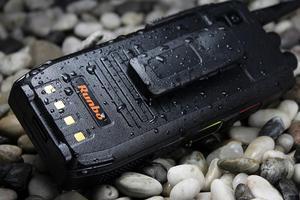 Image 4 - Original Runbo H1 IP67 resistente impermeable teléfono Android DMR Radio VHF UHF PTT Walkie Talkie Smarpthone 4G LTE 6000MAH MTK6735 GPS