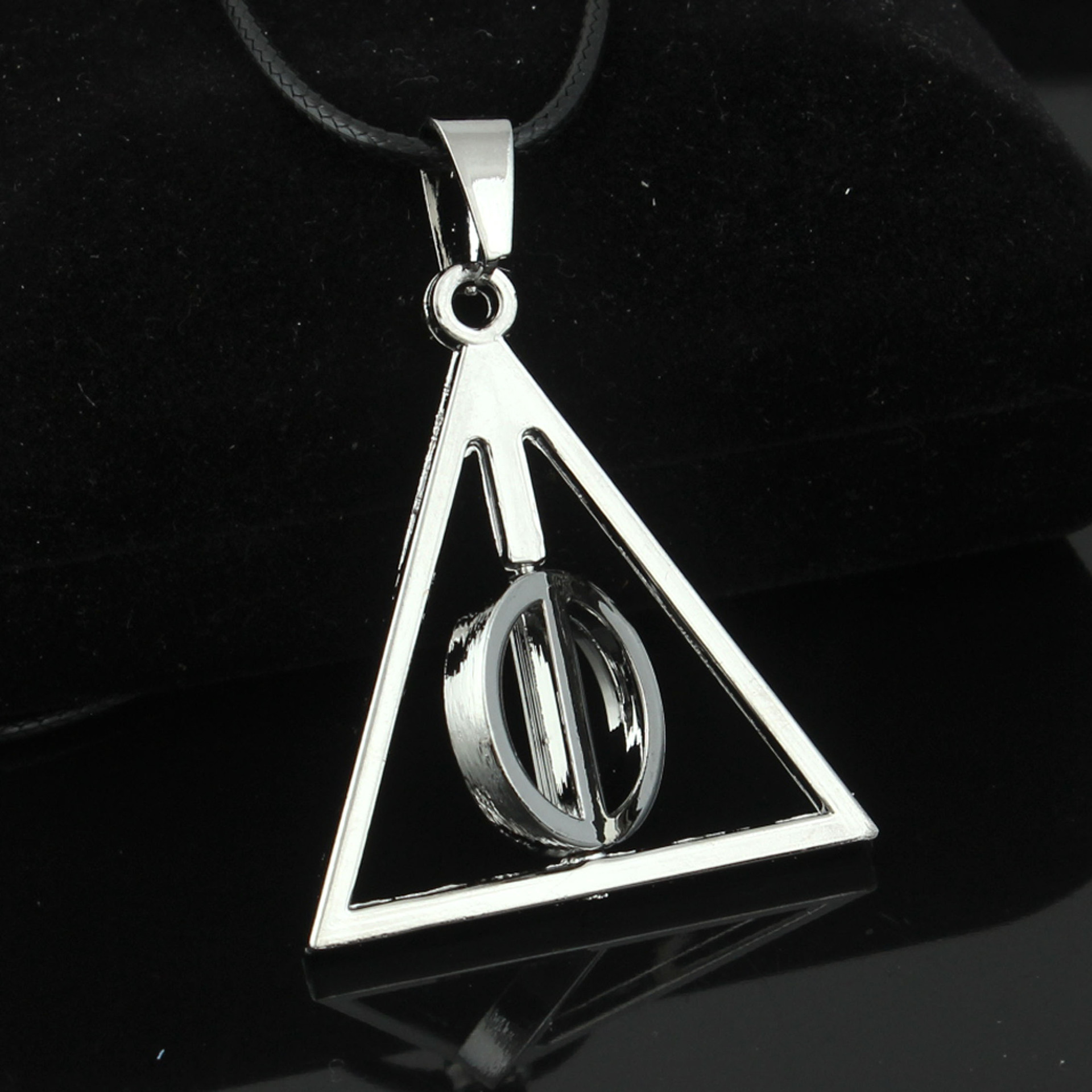 Harri Potter The Deathly Hallows Luna Triangle Chain Rotatable Necklace Pendant Charm