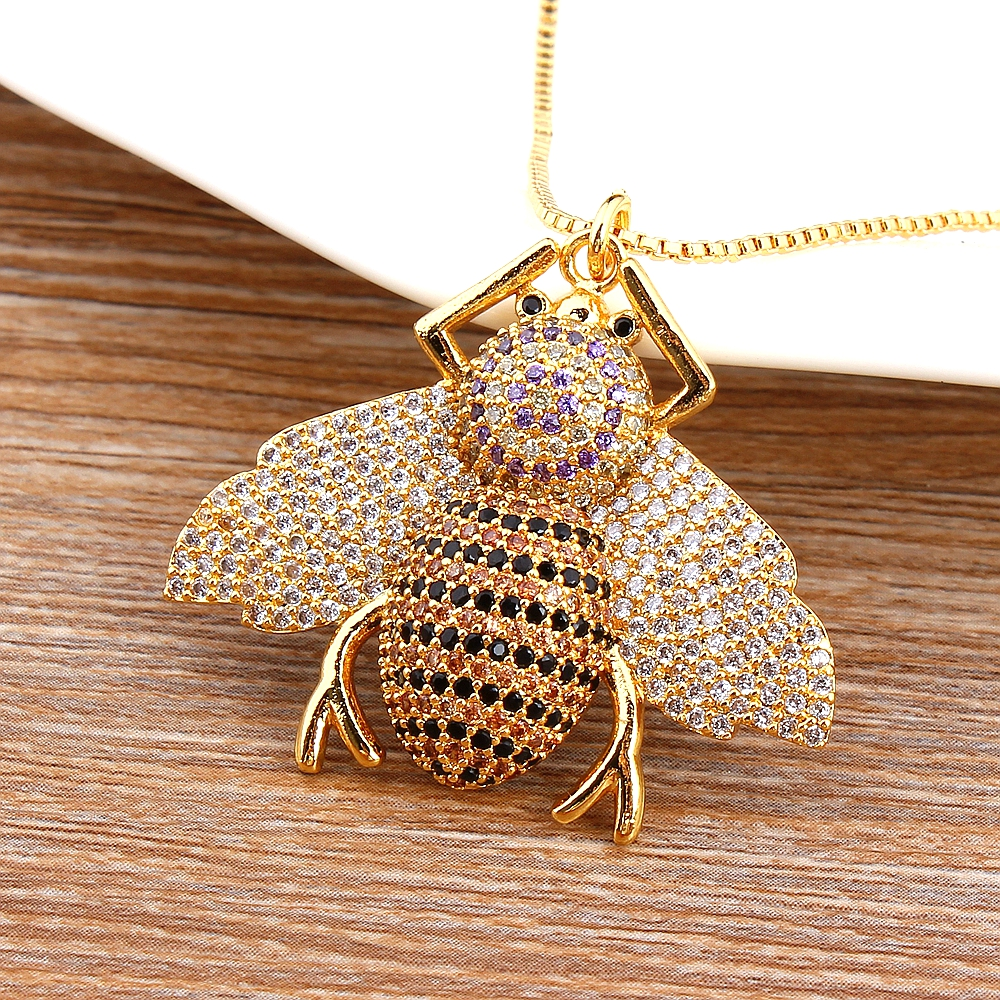 Fashion Gold Bee Necklace Women European & American Simple Cubic Zirconia Simulated Animal Pendant Choker Collier Fine Jewelry