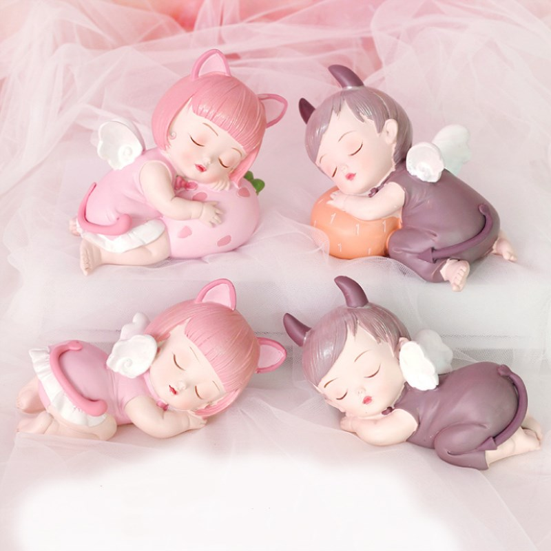 Aisha And Keller Creative Resin Home Dec