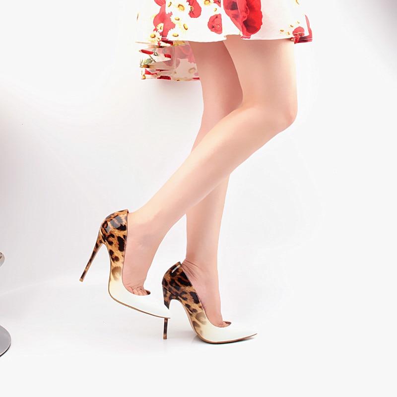 c781d86bf1f Marca Mujeres Bombas Leopard Zapatos Blancos zapatos de Noche Mujer de Charol  Sexy Mujeres del Diseñador zapatos de Tacón Alto Stiletto FS 0105 en Bombas  de ...