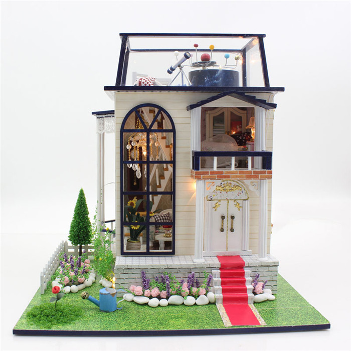 DIY Assemble Wooden Doll House Doll House Miniature Box Kit With LED Furnitures Handcraft Miniatures Dollhouse