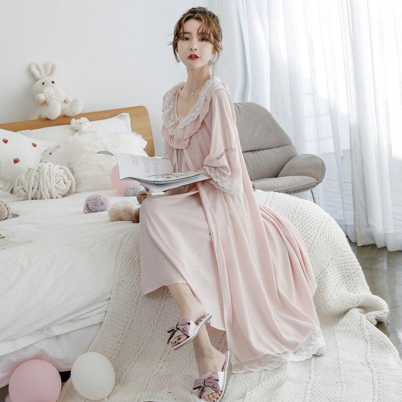 Beliebte Marke Prinzessin Süße Lolita Pyjamas Palace Weiblichen Baumwolle Seide Prinzessin Spitze Hosenträger Pyjamas Zwei Sätze Von Süße Pyjamas Mhh Nk100 Verschiedene Stile Damen-nachtwäsche