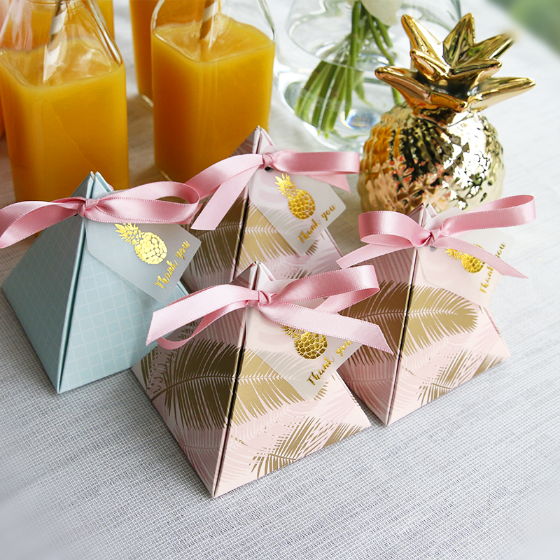 100pcs Triangular Pyramid  Wedding Favors Supplies Leaves Candy Boxes With Thanks Card Gift Box Party Packaging Chocolate Box