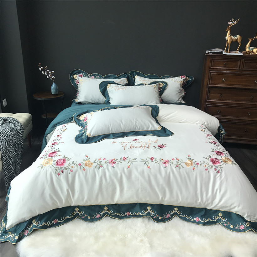 Egyptian Cotton Embroidery Bedding Set White Bed sheet Queen King Size Beddings and Bed sets Duvet Cover ropa de cama couvre litEgyptian Cotton Embroidery Bedding Set White Bed sheet Queen King Size Beddings and Bed sets Duvet Cover ropa de cama couvre lit