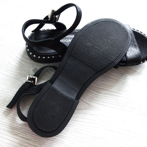 Image 4 - Женские повседневные сандалии AIMEIGAO, черные удобные босоножки на плоской подошве, большие размеры, лето 2019