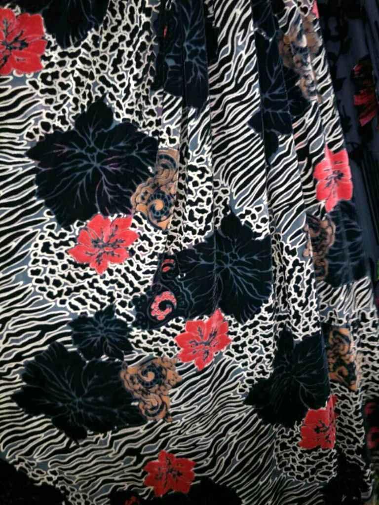 Бесплатная тюль рулон африканская зеленая кружевная шелковая ткань для шитья шелк бархатный занавес платье ткань метр цветы strech хлопок ткань