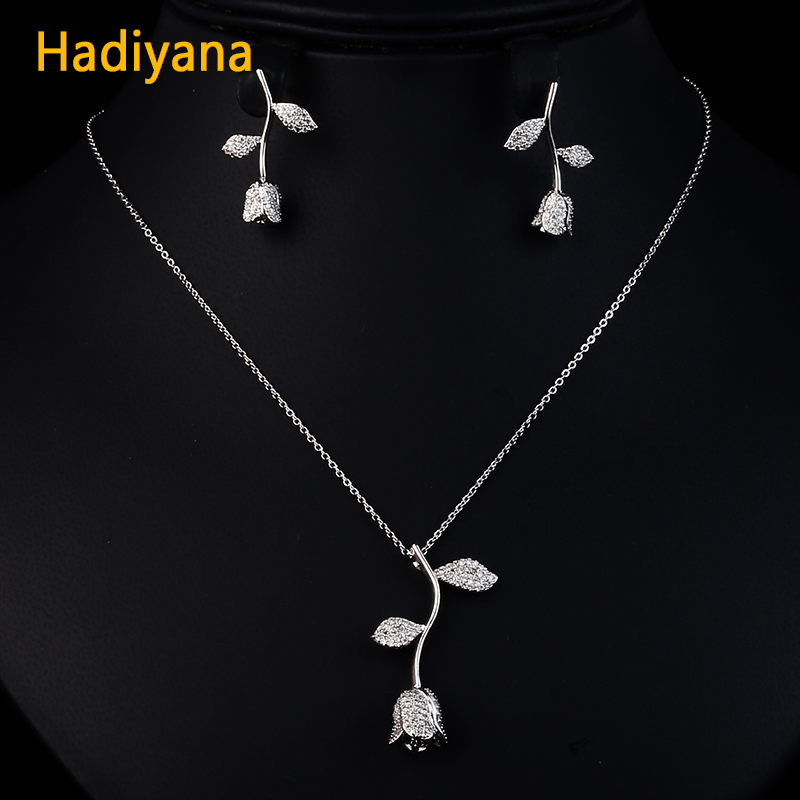 HADIYANA Rose Dubai Gold Jewelry Sets For Women New Arrival Cubic Zirconia Flower Necklace Pendant and Earring 2pcs Set CN359 alloy rose flower pendant necklace