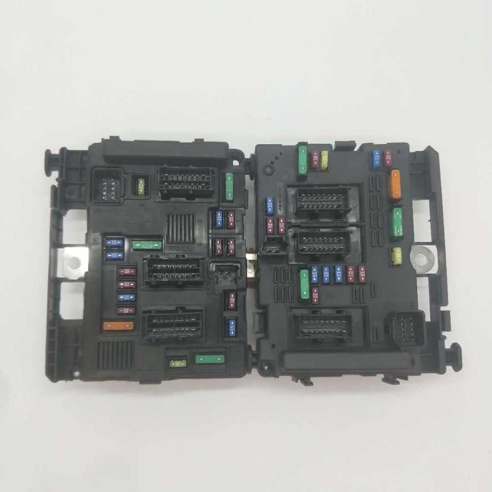 car fuse box suitable peugeot 206 207 c2 307 picasso senna part number 9657608580 9650618280 [ 1000 x 1000 Pixel ]