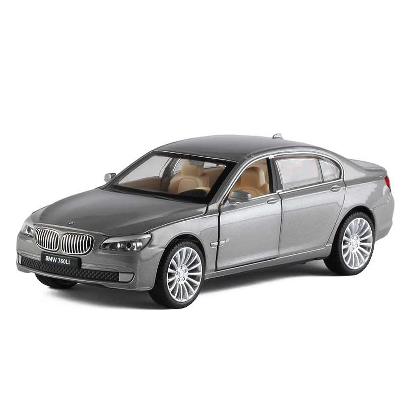 1:32 BM 760 Diecast Car model kids toys metallic material Collection decoration toy car Open the door and pull back