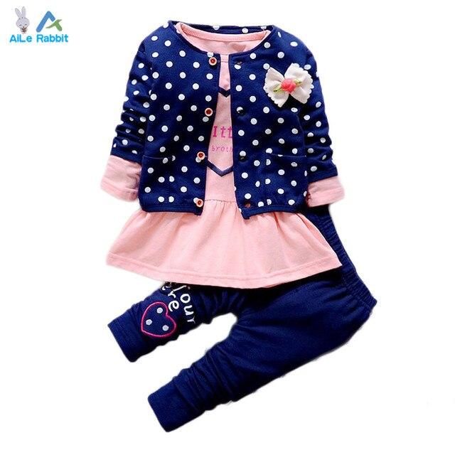 2016 Новый Девочка одежда Наборы дети 3 ШТ. пальто + майка + брюки дети Милые Принцесса форме Сердца Печати Лук девочка наряды