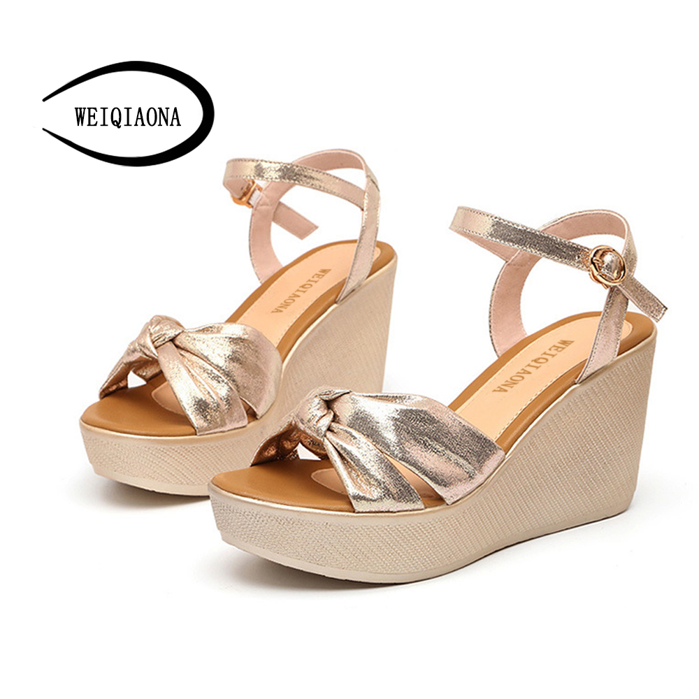 WEIQIAONA 2018 New Hot Sale Fashion Summer Women Golden Small Code Sandals High Waterproof Platform Expose Toe Sexy Casual shose