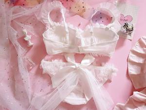 Image 5 - Genç kız japon Lolita çiçek düğün gelin Petal dantel sutyen ve kısa setleri kadın fırfır şınav balenli iç çamaşırı seti