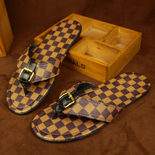 Nuevo 2017 hombres flip flop sandalias de impresión de la tela escocesa del verano zapatos planos ocasionales zapatillas de playa tamaño 38-43