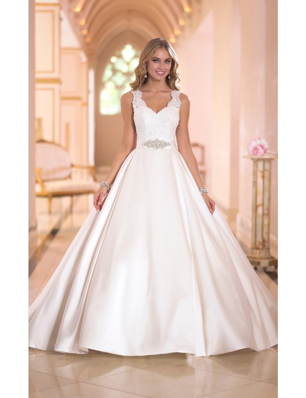 2016 Handmade Custom Designed Dramatic Luxury Ball Gown Princess ...