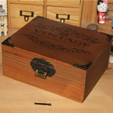 vntage lockable wooden storage box 2151359cm