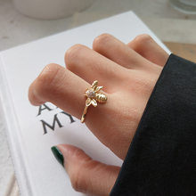Korean version 925 sterling silver tiny bee mosaic white crystal ring trendy personality open animal ring(China)