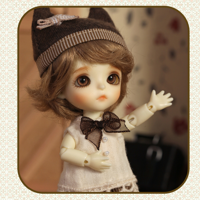 Bjd doll sd doll 1/2 points BB baby white white T.haru joint doll high quality free eyes