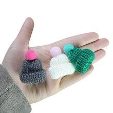 10 piezas de Color lindo tejer Mini sombreros DIY artesanía suministros ropa de cabeza muñeca Juguetes Decoración niños Scrapbooking artes pequeñas gorras