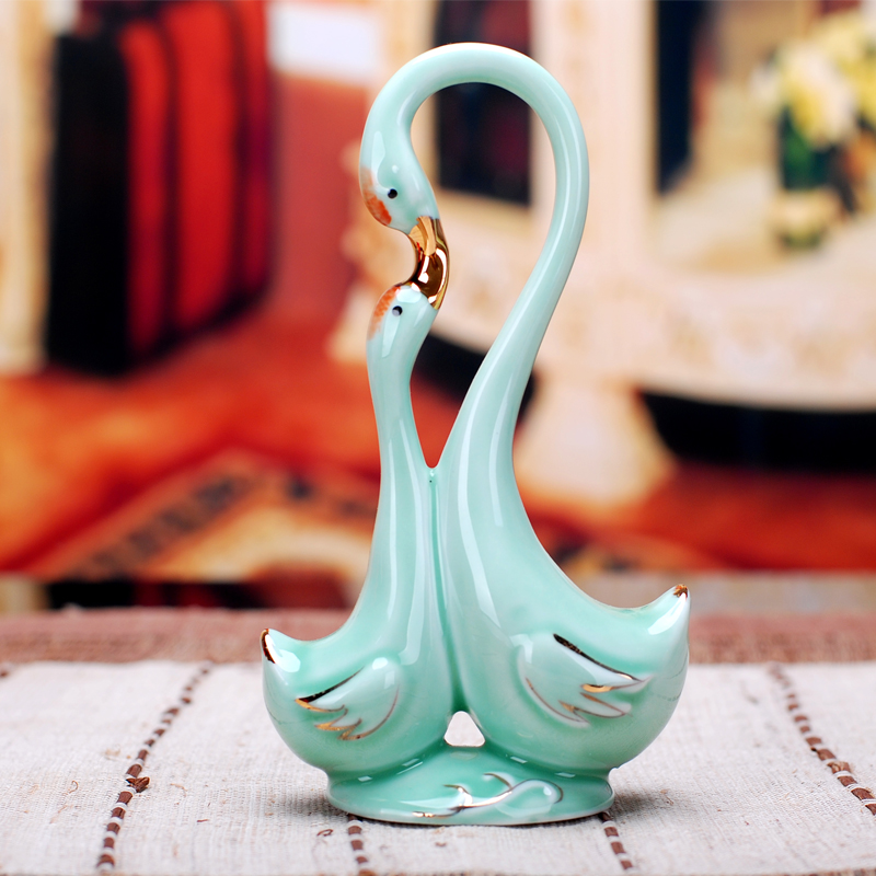 Latest Interiors Porcelain Skin: Modern Home Decor Ceramic Kissing Swan Mom And Baby
