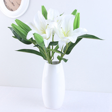 Get more info on the Xuanxiaotong 10pcs White Short Lily Flower Bouquet Artificial for Bridal Flowers Wedding Party Wreath Decoration