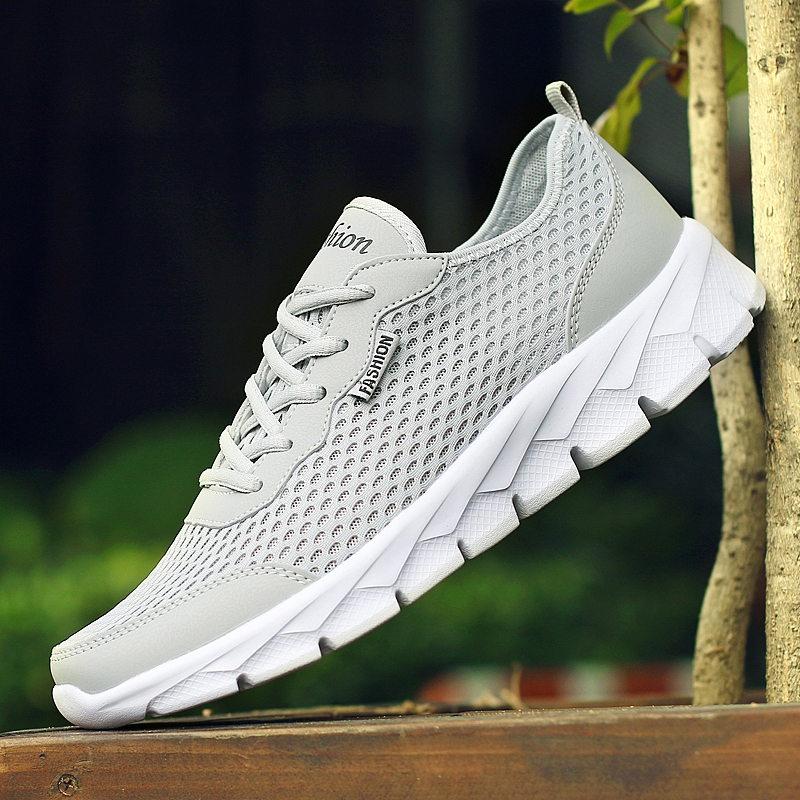 все цены на 2018 Plus Size 35-48 Men Casual Shoes Breathable Ultralight Comfprtable Outdoor Walking Footwear Krasovki Trainers high quality онлайн