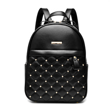 2019 New Womens Bag Rivet Shoulders European And American Fashion College Students Shoulder