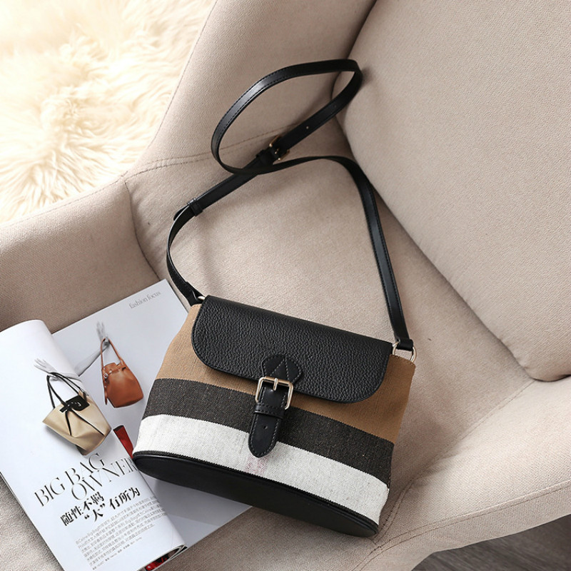Ladies bag British striped female canvas bag 2019 new casual shoulder versatile diagonal cross wandering bagLadies bag British striped female canvas bag 2019 new casual shoulder versatile diagonal cross wandering bag