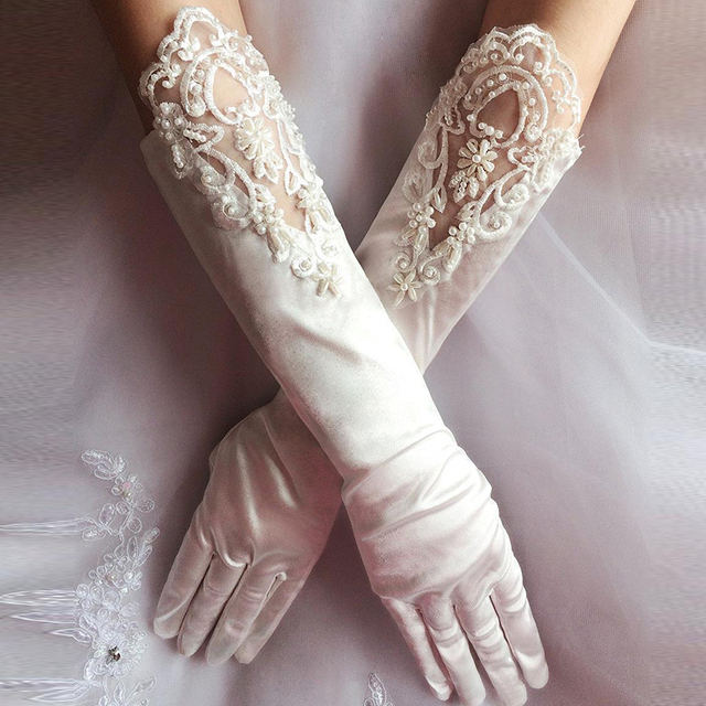 Moda Venda Quente Do Marfim Luvas Brancas de Noiva Rendas Frisado Longo Dedo Luvas de Casamento Acessórios Do Casamento Luvas de Noiva