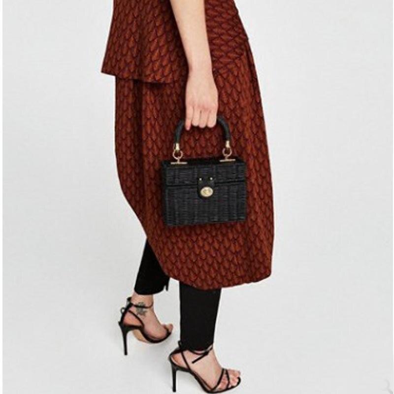 New Rattan Black Straw Shoulder Bag Women Hand-Woven Messenger Bag Summer Beach Square Chain Box Straw Handbag Drop Shipping 4