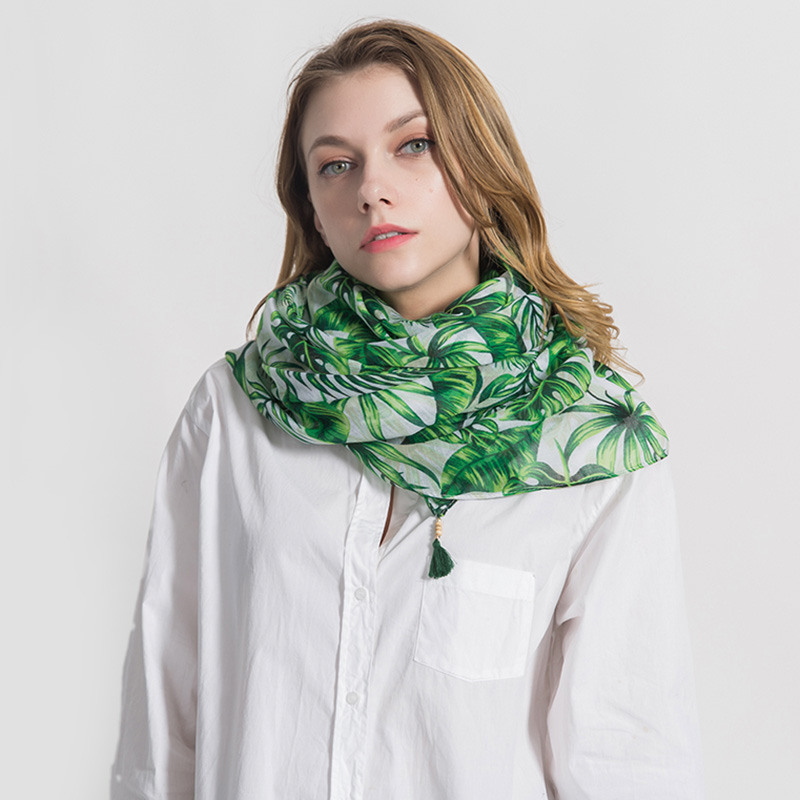 2018 New Arrival Green Leaves Print Tassel   Scarf   Women Shawl Large High Quality Mulffer Beach Towel Travel Foulard   Scarves     Wrap