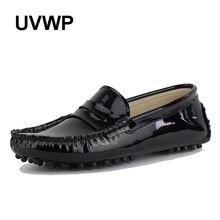 Novas Mulheres de Design Sapatos Baixos Mulheres de Couro Pu Apartamentos Sapatos de Couro de Condução Sapatos Mocassins Macio E Confortável Moda Casual