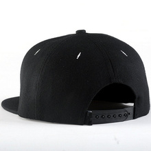 Inverted Cross Snapback Snap