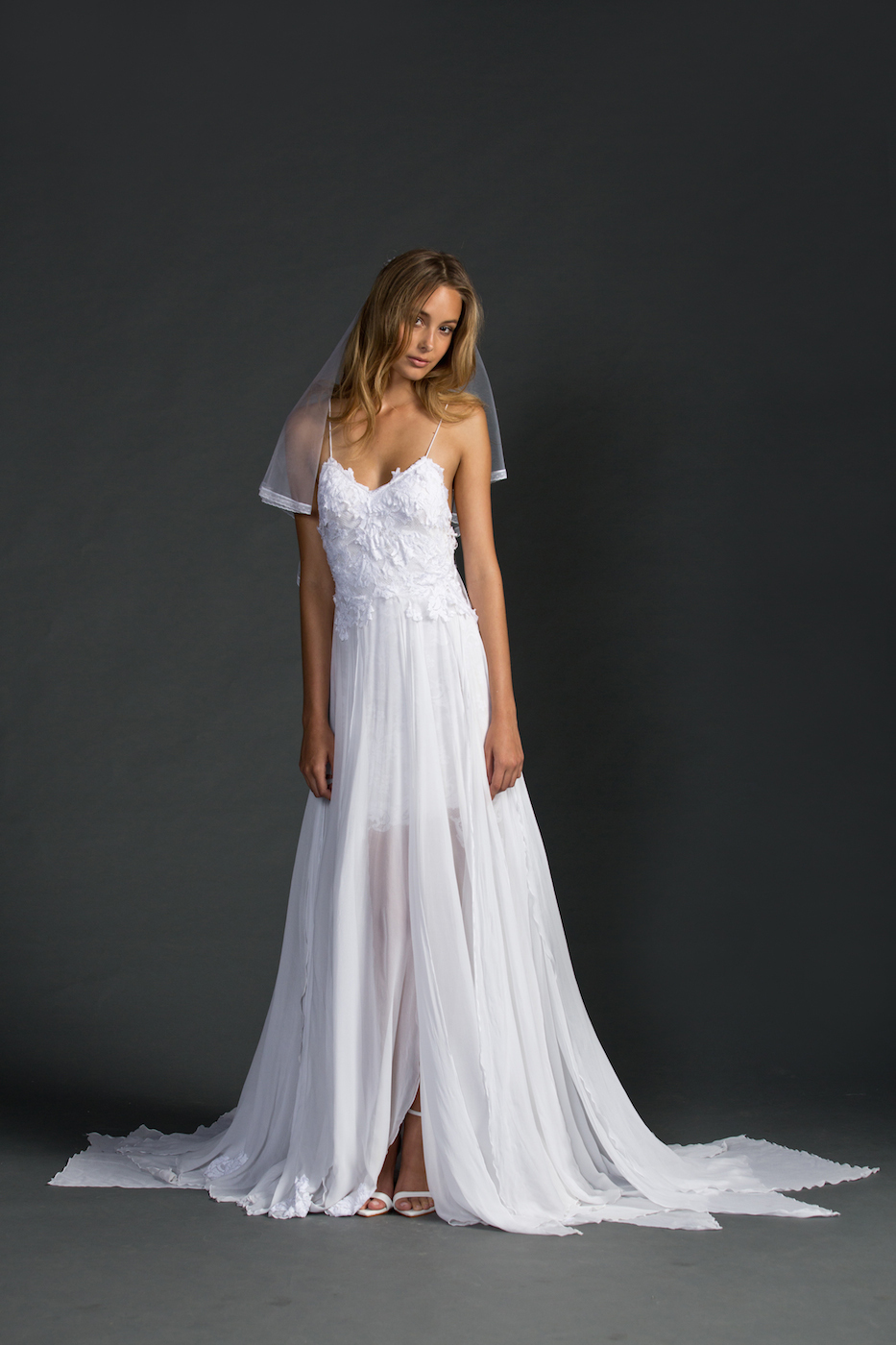 Inm 159 hot spaghetti strap appliques chiffon sexy for Backless beach wedding dresses