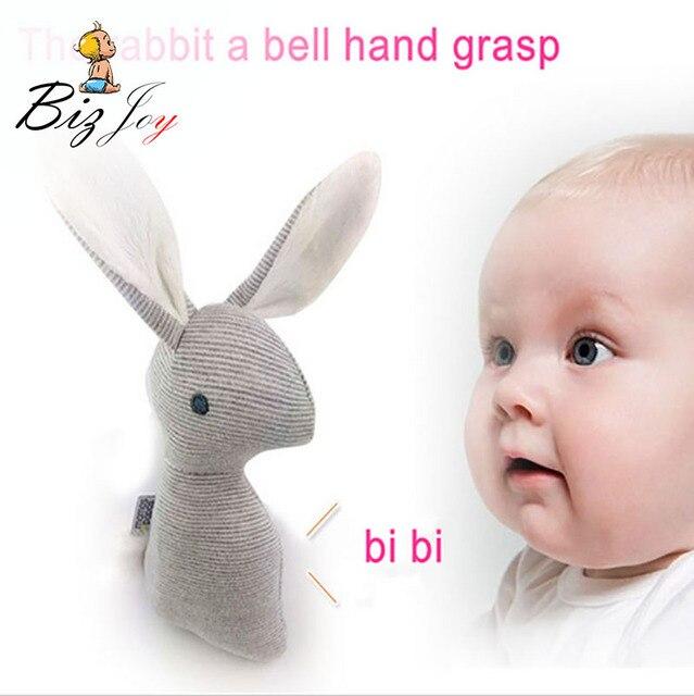 HOT 21 cm Coelho Coelho Brinquedos de Pelúcia Do Bebê 0-12 meses BB Chocalho mole Anel Sino Berço Brinquedo Som Animal Bonito Bebe Infantil Crianças boneca