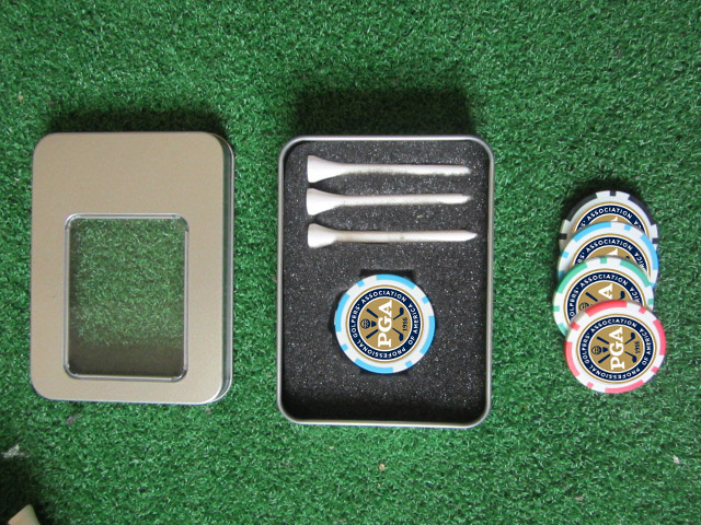 Image 2 - freeshipping golf accessories gift golf poker chip ball marker ball tee tin box-in Golf Training Aids from Sports & Entertainment