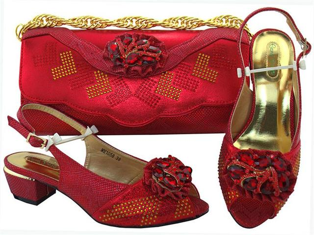 Handbag and shoes classic african styles to match the set of italy Low heel  shoes with rhinestones Italian shoes MM1058 Med Heel b4badbddcb4d